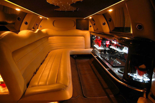 8 Person Lincoln Limo Service San Jose