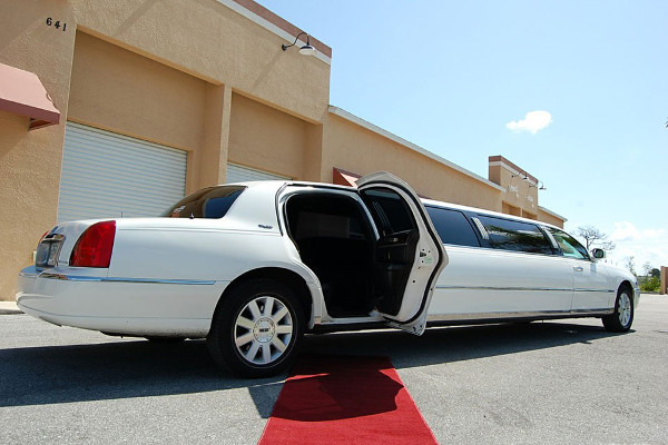 8 Person Lincoln Stretch Limo San Jose